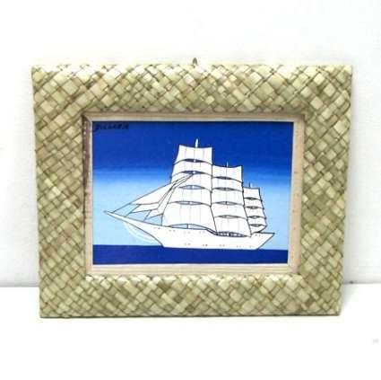 Картина в рамка от естеств.материали - България