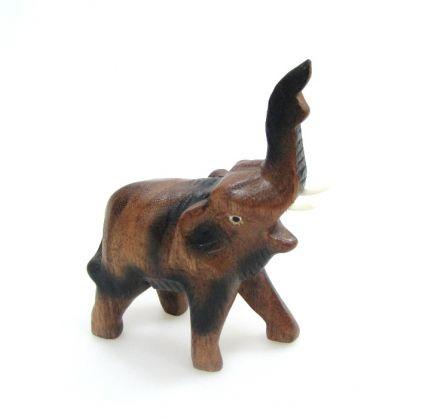 Слон от дърво