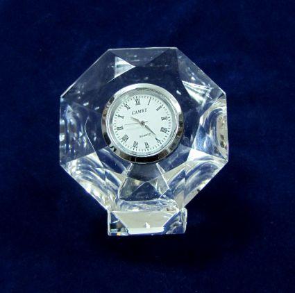 Часовник от кристал