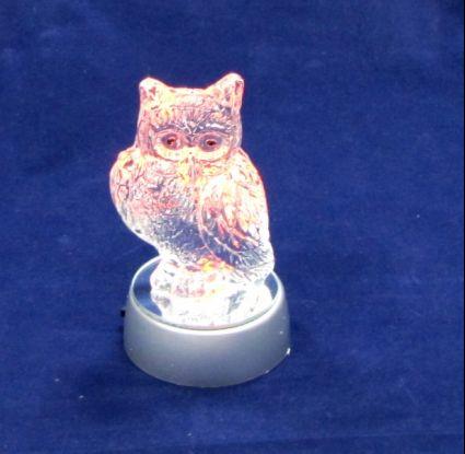 Стъклена фигурка бухал със светеща  поставка