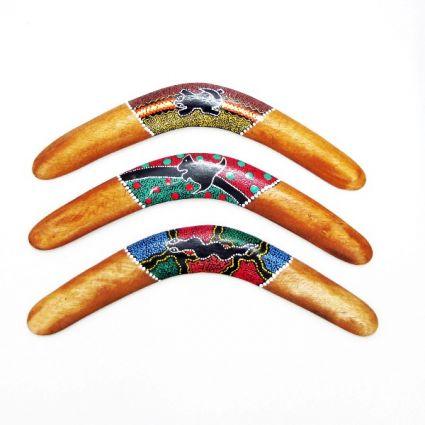 Бумеранг от дърво декориран  ръчна изработка
