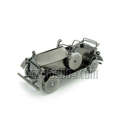 Макет на ретро автомобил от метал