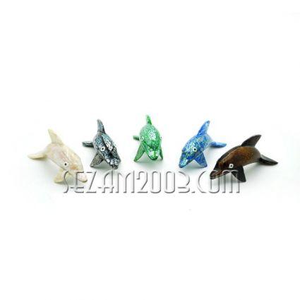 фигурка на делфинче от натурален седеф