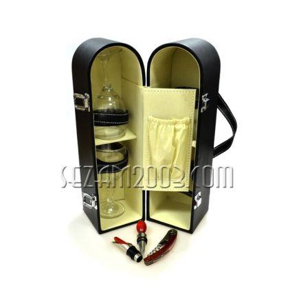 Кутия за вино от изк.кожа с аксесоари 4бр. + 2 ст.чаши