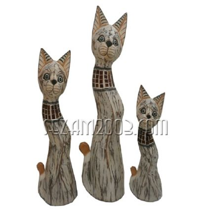 Cats of wood