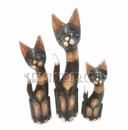 Котки  3 бр. комплект от дърво декорирани