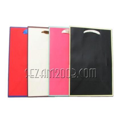 Подаръчна торбичка от лукс хартия -едноцветна с кант