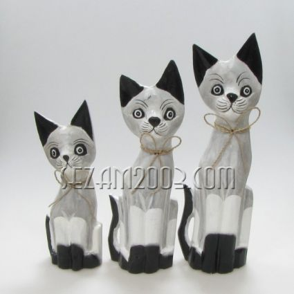 CATS wood decorated