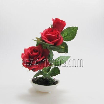 ИКЕБАНА - букет от рози в керамичен съд