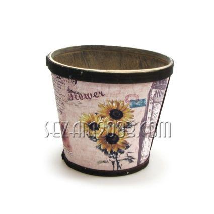 Кашпа / саксия за цветя от дърво с декорации