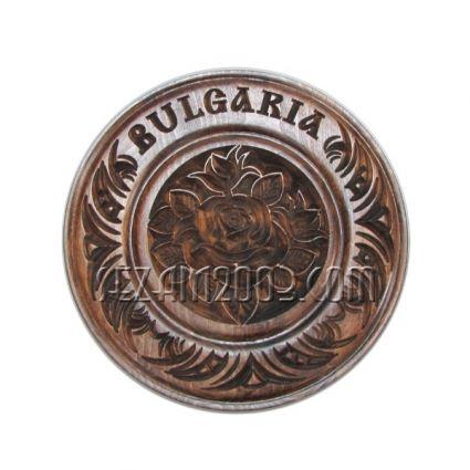 чиния от дърво  стенна с рози и надпис BULGARIA