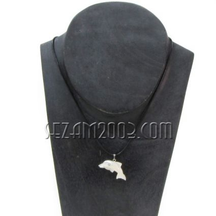 Necklace with pearl pendant - DOLPHIN