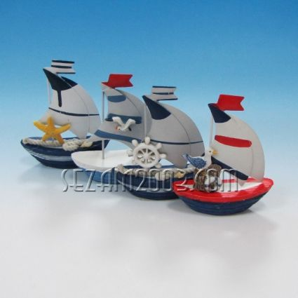 Sailing from polirezin and metal decorated