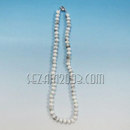 Колие обработени камъни - бял хаулит-ф5,8мм  с възли