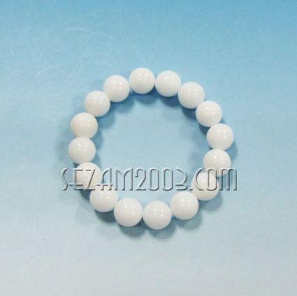 гривна от обработени камъни бял ахат сфера - ф12мм