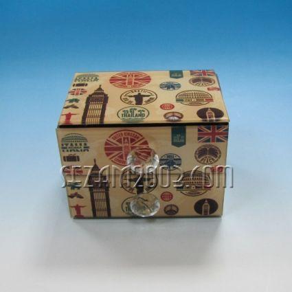 Кутия за бижута от стъкло с чекмеджета и огледало