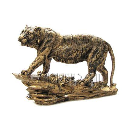 Тигър на скала - фигура от полирезин