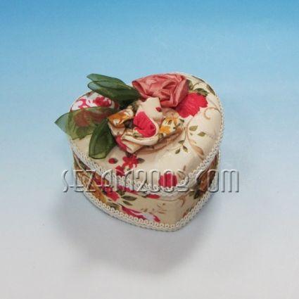 Кутия за бижута от плат декорирана с огледало60