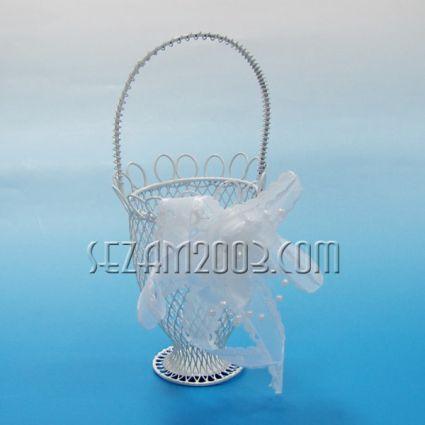 кошничка  - бяла метална кутийка с пандела
