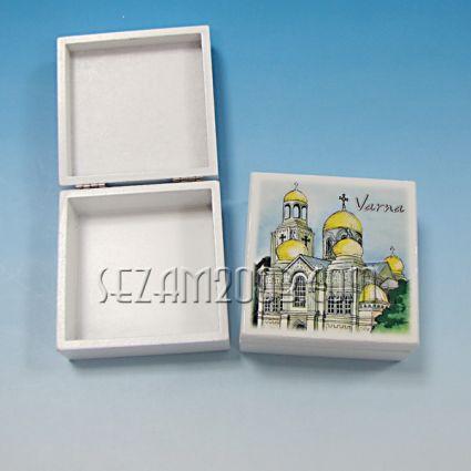кутийка от дърво бяла с изглед - Варна