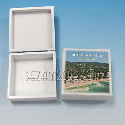 кутийка от дърво бяла с изглед - св.Константин и Елена