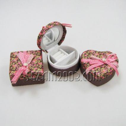 кутия за бижута от плат с огледало - 3 форми