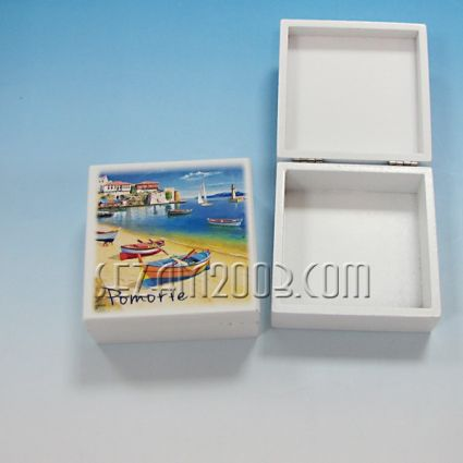 кутийка от дърво бяла с изглед - Поморие
