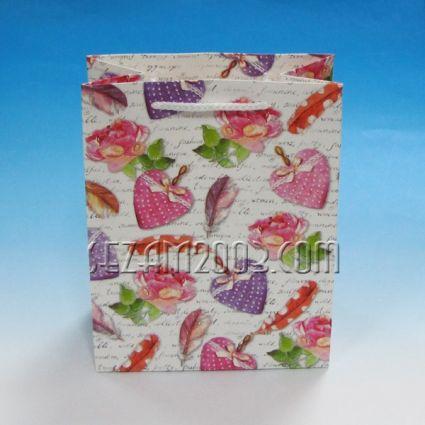 Подаръчна торбичка от лукс хартия сърца колаж