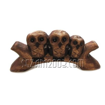 Бухалчета тройка на клон  -  сувенир от дърво  ръчна изработка