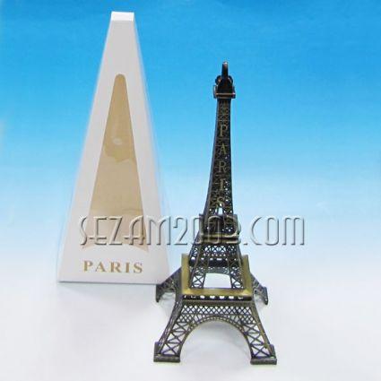 Айфелова кула  - фигура от метал