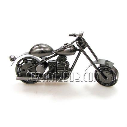 макет на мотор от метални части - тежка серия