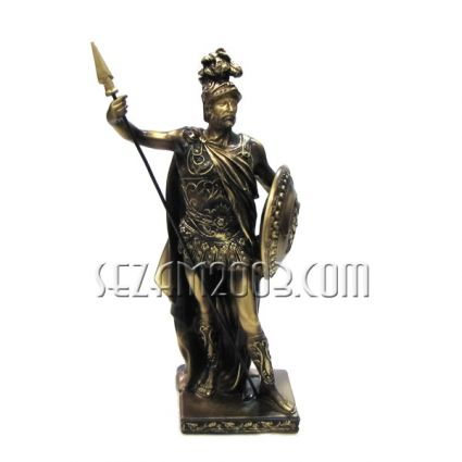 Рицар с копие и щит - фигура от полирезин