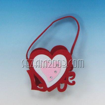 LOVE- кошничка от плат декорирана за св.Валентин