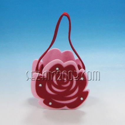 РОЗА- кошничка от плат декорирана за св.Валентин