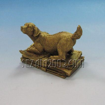 Куче с пари - фигурка от полирезин
