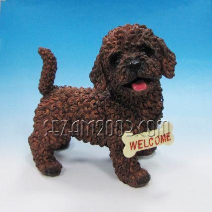 Куче  с табелка - фигура от полирезин