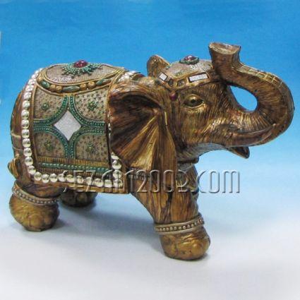 Слон - фигура от полирезин декорирана