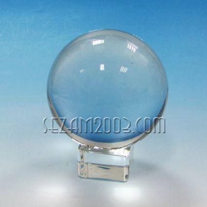 кристална сфера на кристална поставка