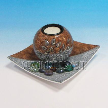свещник от мдф с чинийка и камъчета