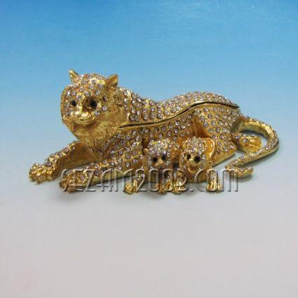 Лъвско семейство-метален сувенир/кутийка за бижута с камъни