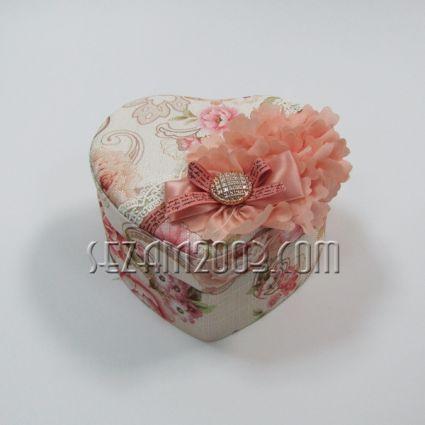 Кутия за бижута с огледало от  плат - сърце