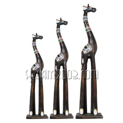 Жирафи от дърво 3 бр.к-т декорирани