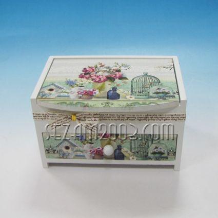 Кутия за бижута от дърво и мдф с огледало