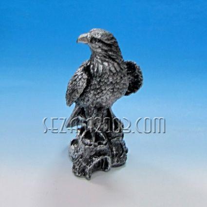 Орел - фигура от полирезин