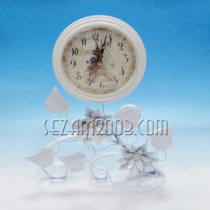 Часовник настолен метален с винтидж декор