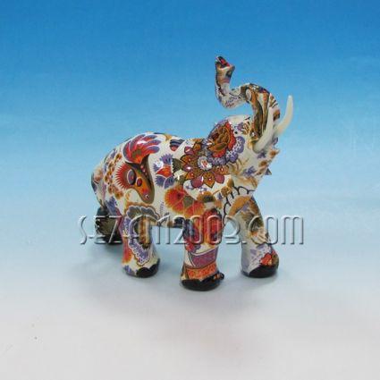 Слон от полирезин декориран