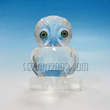 Бухал на клон фигура от стъкло