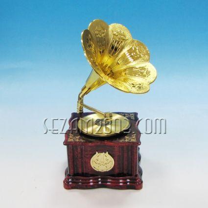 Грамофон - сувенир с музикален и подвижен механизъм