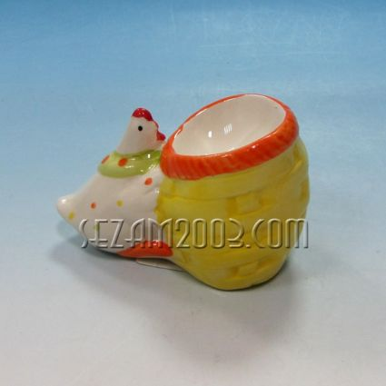 Пиленце-поставка за яйце от керамика- Великденска декорация