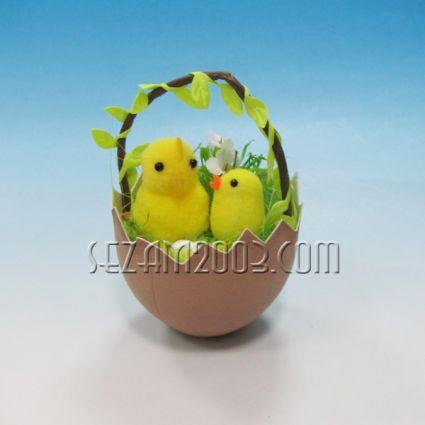 Пиленце в яйце кошничка  - Великденска декорация